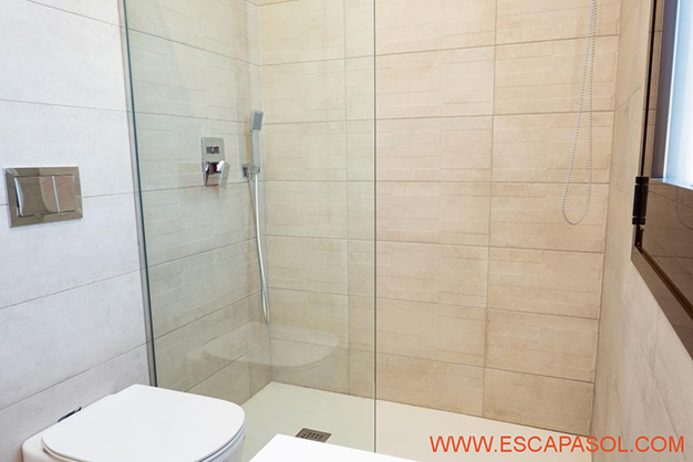 BANO 2 ALICANTE 1 - This brand new villa with a pool in Alicante is just perfect for a fresh start