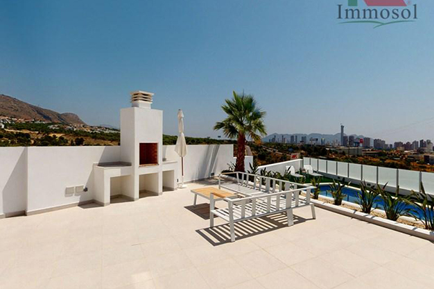 BARBACOA BENIDORM - This luxury villa in Benidorm is the perfect house: a pool, garden, solarium and much more