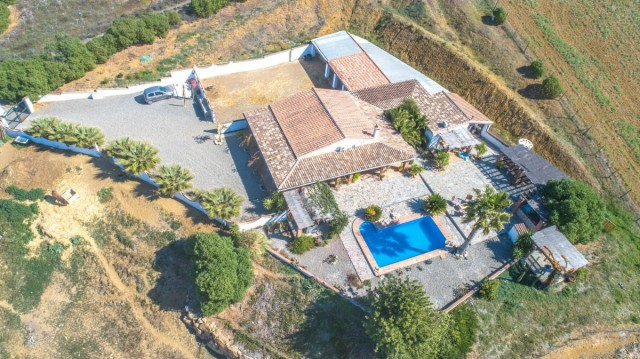 BOEAEP2480 67134 640 V1 B872 - Nature and equestrian world merged in a beautiful estate in Álora (Málaga)