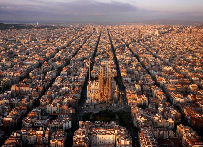 Barcelona by Amos Chapple