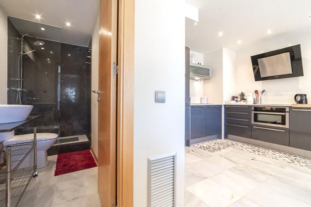 COCINA BANO IBIZA 1 - You won't be able to resist this flat for sale in Ibiza: ideally located and with a terrace and pool