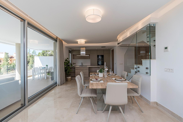 COMEDOR COCINA BEHNAHAVIS - Live surrounded by nature with this luxury apartment in Málaga