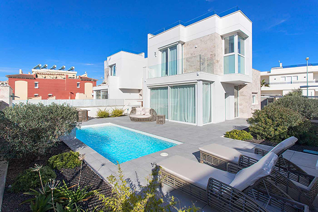 Casa cerca de la playa en Alicante con calidades de lujo - Beach home with top quality features in Alicante