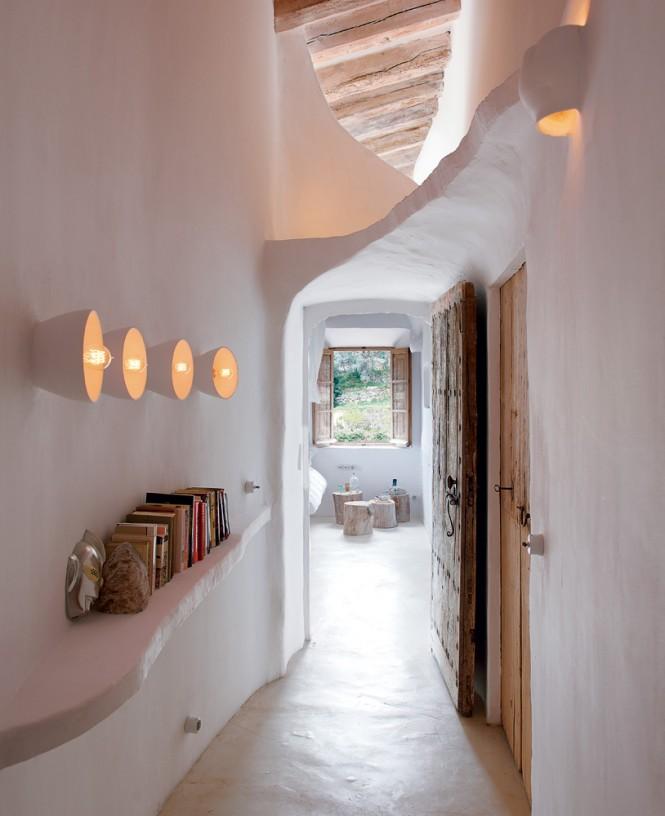 Cave Home6 - Cave House in Mallorca by Designer Alexandre de Betak