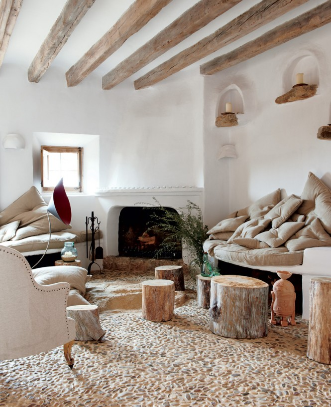 Cave Home7 - Cave House in Mallorca by Designer Alexandre de Betak
