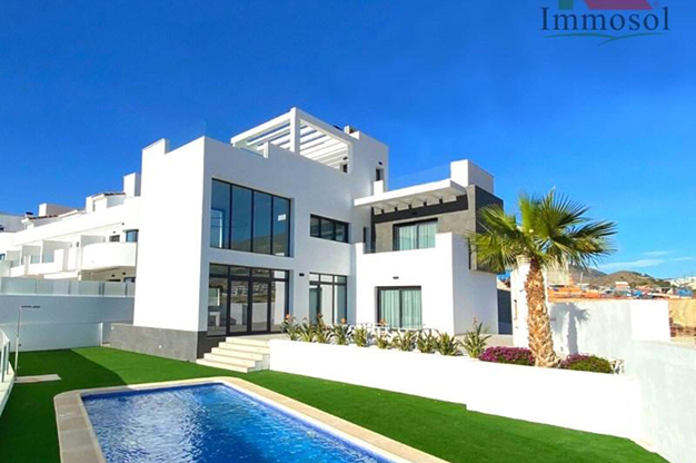 Chalet en venta Benidorm - This luxury villa in Benidorm is the perfect house: a pool, garden, solarium and much more