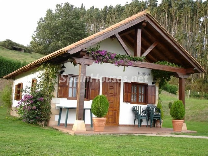 Chalet for sale in Piélagos - 7 Country Houses For Sale in Cantabria, Spain