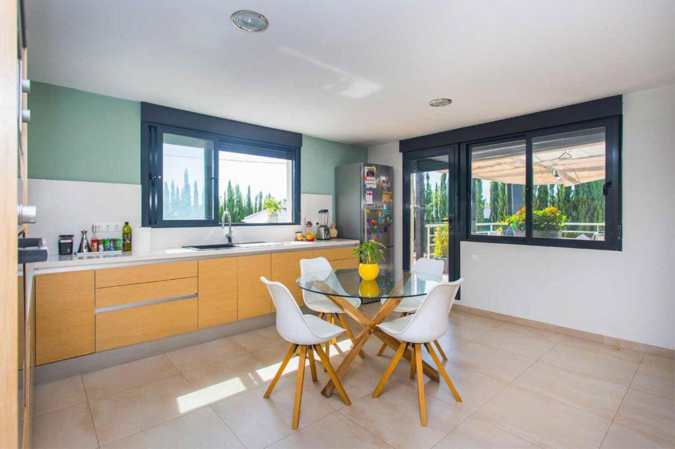Cocina 1 - Enjoy the gardens, pool, and tranquillity of this single-family home in Alicante
