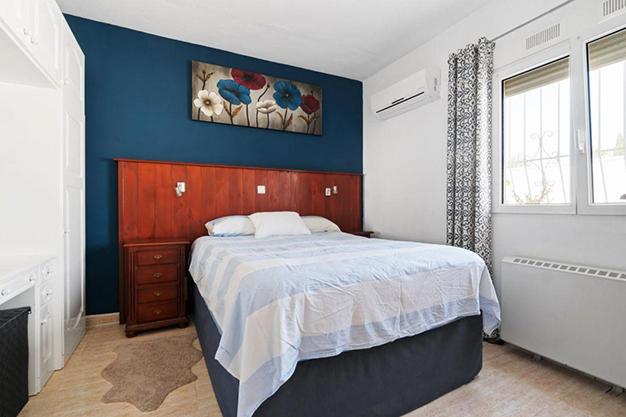 DORMITORIO 1 8 - Enjoy the Nice Weather of Costa Blanca with this Exclusive Alicante Villa