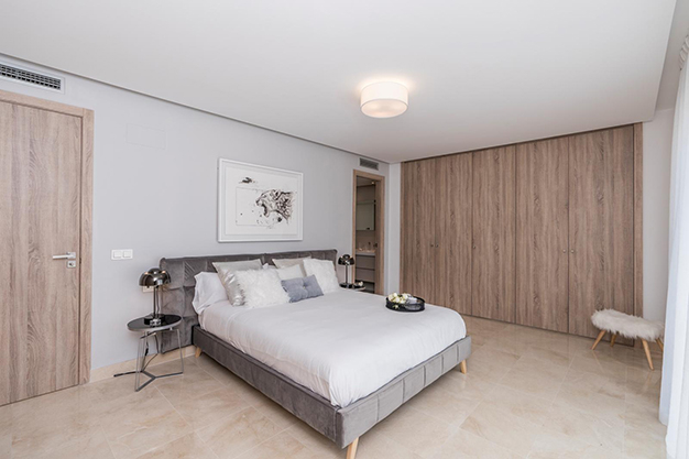 DORMITORIO 1 - Live surrounded by nature with this luxury apartment in Málaga