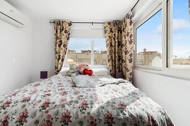 DORMITORIO 2 6 - Enjoy the Nice Weather of Costa Blanca with this Exclusive Alicante Villa