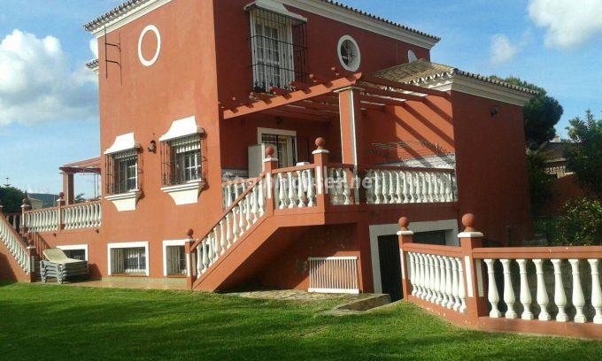 Detached house to rent in La Línea de la Concepción e1482140803406 - Looking forward to living in southern Spain? See these homes rentals in Cádiz
