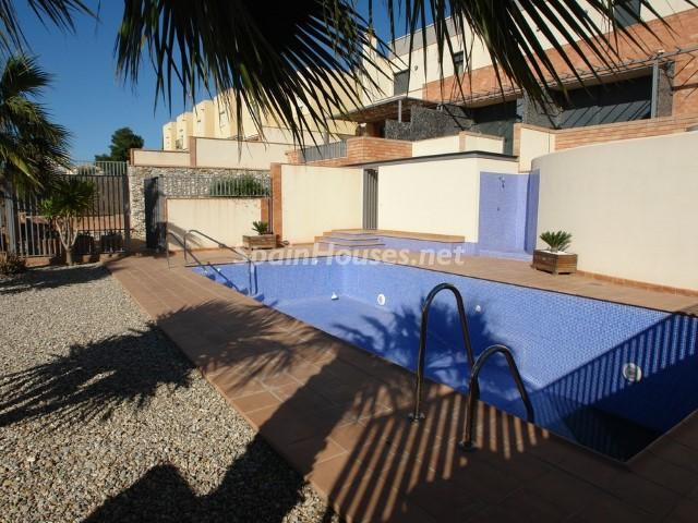 Duplex for sale in Antas Almería - On the Market: 10 Homes for up to €100,000 in Almeria, Spain