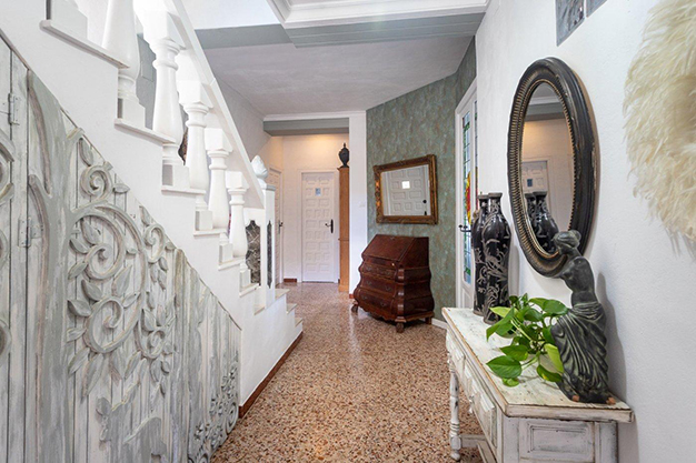 ENTRADA 1 - Discover this incredible luxury villa in Valencia, with architecture inspired by Gaudí and 100% ecological