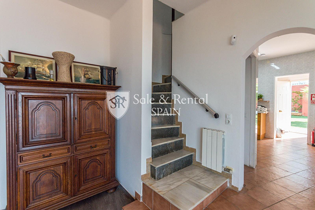 ESCALERA BARCELONA 1 - This luxury house in Barcelona has everything you need to enjoy life to the full