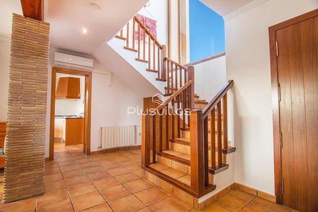 ESCALERAS CALPE - Find your new home in this luxury villa in Alicante
