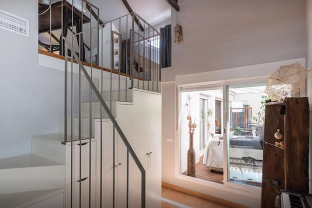 ESCALERAS MALAGA - Discover this penthouse with terrace in the centre of Malaga