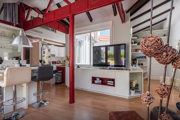ESTRUCTURA MALAGA - Discover this penthouse with terrace in the centre of Malaga