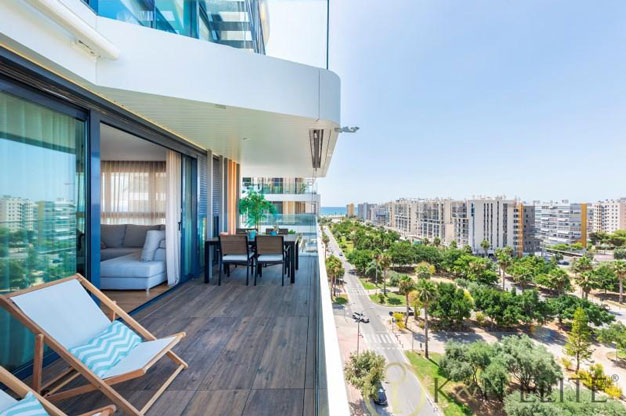 Spectacular apartment next to the beach in Alicante
