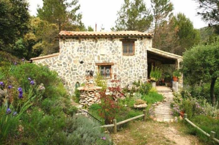 Estate for sale in Enguera (Valencia)