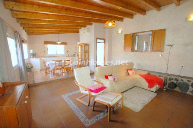 Estate for sale in San Bartolomé de Tirajana Las Palmas - For Sale: 8 Charming Estates in Spain, with Charming Prices too!