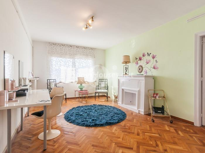 Flat for sale in Gràcia