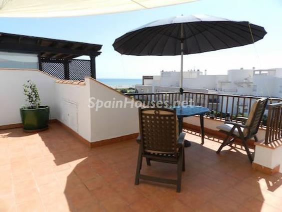 Flat for sale in Vera Almería - On the Market: 10 Homes for up to €100,000 in Almeria, Spain