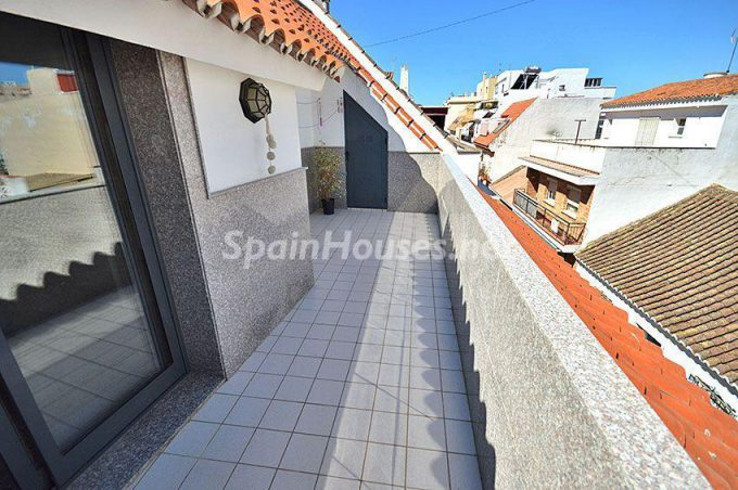 Flat to rent in Fuengirola e1477904448357 - 7 Apartments to rent under €890/month in Costa del Sol, Málaga province