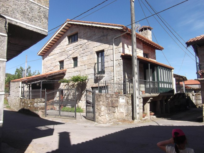 Holiday rental detached house in Esgos (Orense)