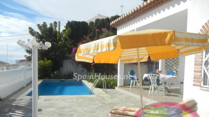 Holiday rental villa in Salobreña e1491812109295 - Holiday Rental Homes in Spain Under €1,000/Week!