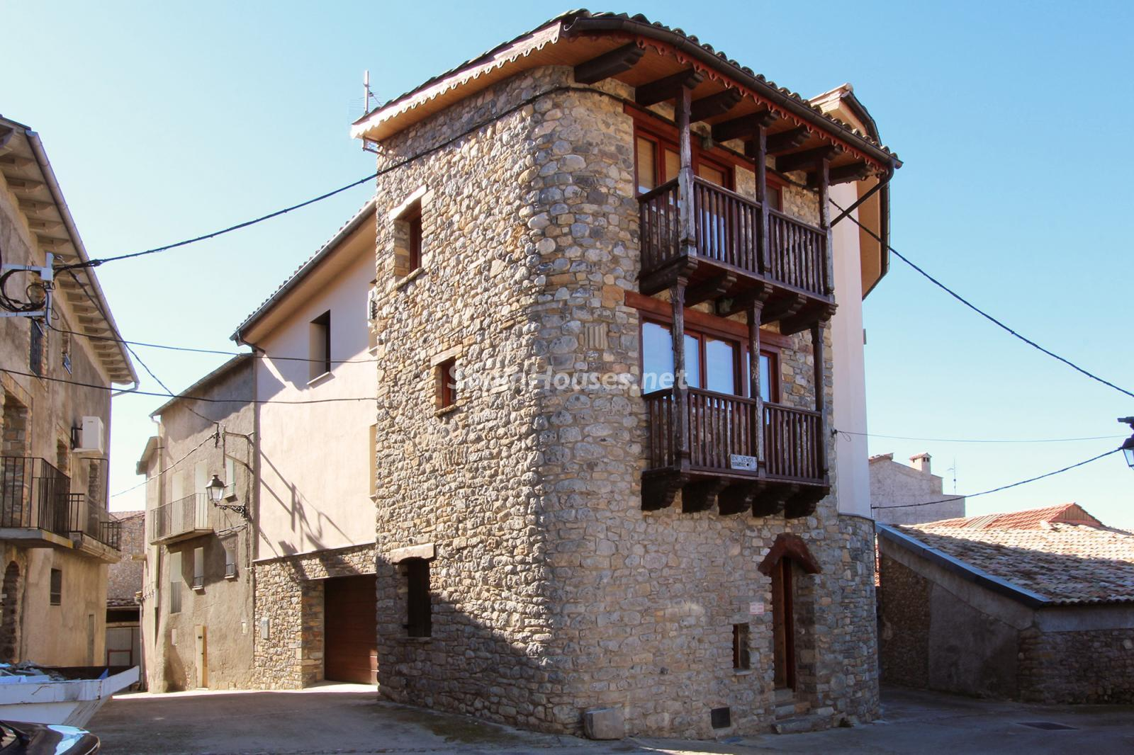 House for sale in Conca de Dalt - Country Houses for Sale in Northern Spain