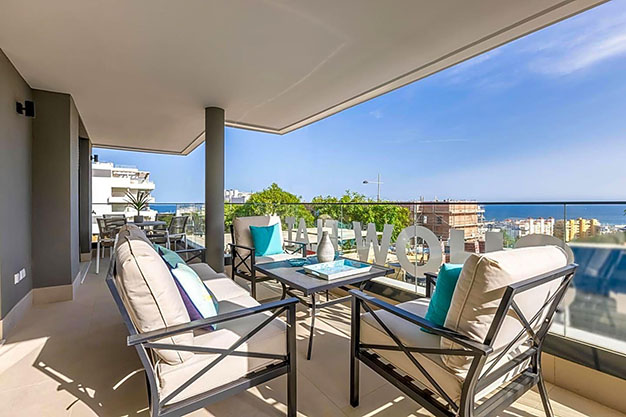 IMAGEN TERRAZA ESTEPONA - Luxury apartment in Estepona with private garden and sea views: the total package