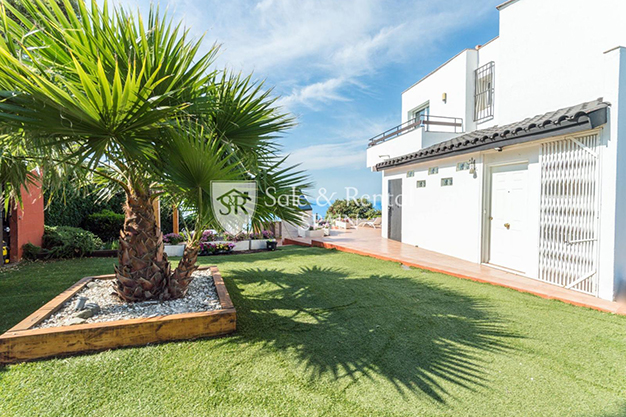 JARDINES BARCELONA - This luxury house in Barcelona has everything you need to enjoy life to the full