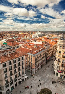 Madrid desde Callao 208x300 - Living in Madrid is 43% more expensive than in Extremadura