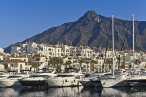 Marbella Puerto Banús 300x200 - Multinational investment fund negotiates the purchase of Puerto Banús