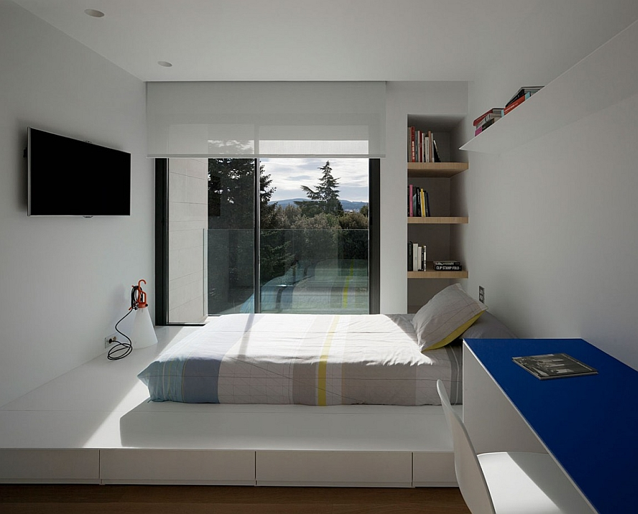 Outstanding and Minimalist Home in Barcelona8