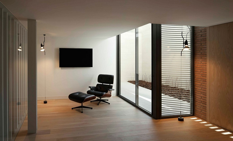 Outstanding and Minimalist Home in Barcelona9