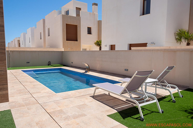 PISCINA 2 ALICANTE - This brand new villa with a pool in Alicante is just perfect for a fresh start