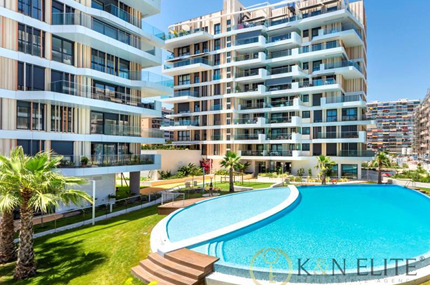 PISCINA ALICANTE - Discover this flat next to the beach in Alicante, ideal for those looking for a modern and comfortable space