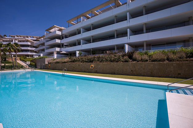 PISCINA BENAHAVIS - Live surrounded by nature with this luxury apartment in Málaga