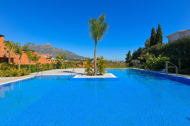 PISCINA MARBELLA - This apartment for sale in Marbella is the perfect home to live in a unique natural environment and be happy