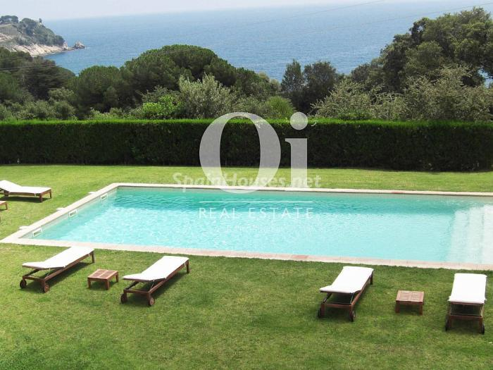 Palamós Girona - Holidays in Spain? 6 rental houses with swimming-pool and a stone's throw from the beach