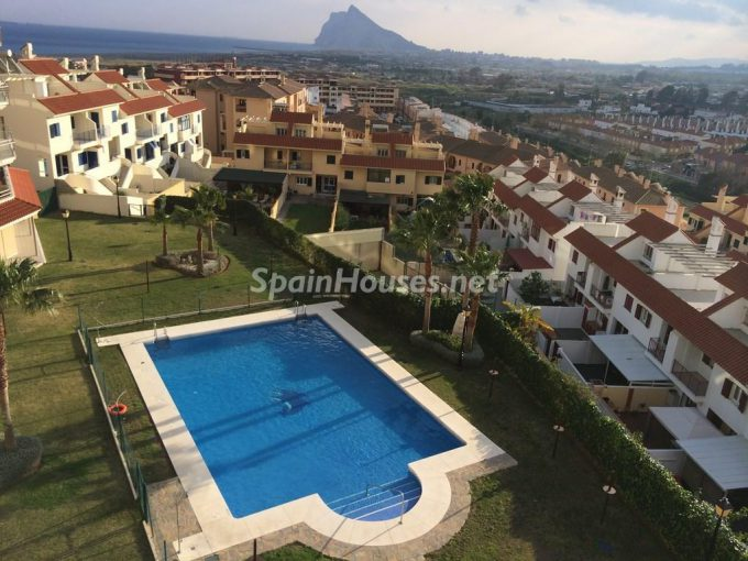 Penthouse apartment to rent in La Línea de la Concepción e1482140645492 - Looking forward to living in southern Spain? See these homes rentals in Cádiz