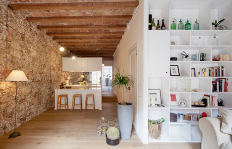 Renovated apartment in Barcelona by Sergi Pons1
