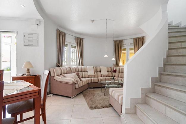 SALA COMEDOR - Enjoy the Nice Weather of Costa Blanca with this Exclusive Alicante Villa