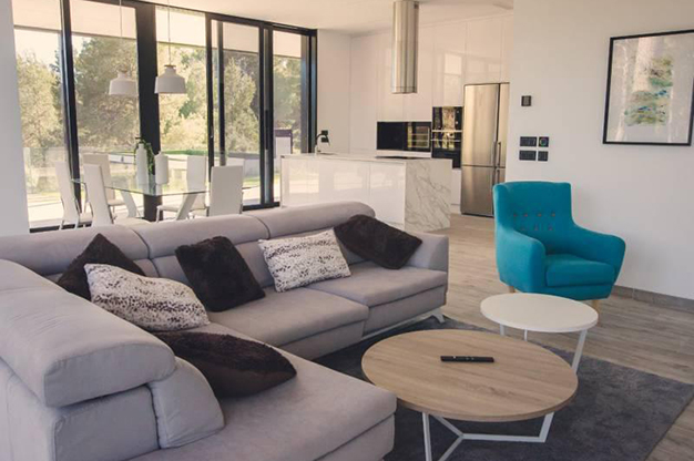SALON ALICANTE 1 - This countryside house in Alicante will fill you with energy every day