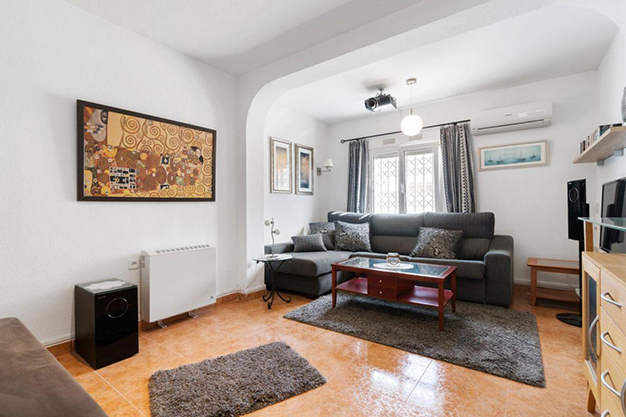 SALON ALICANTE O - Enjoy the Nice Weather of Costa Blanca with this Exclusive Alicante Villa
