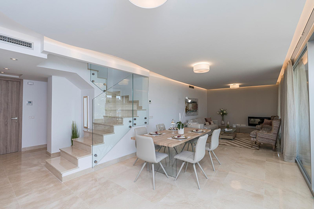 SALON COMEDOR BENAHAVIS - Live surrounded by nature with this luxury apartment in Málaga