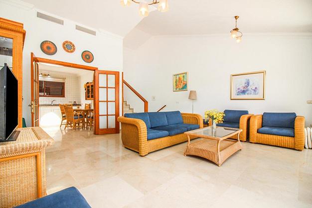 Salon Las Palmas - Make your dreams come true and move to this beautiful duplex in Gran Canaria