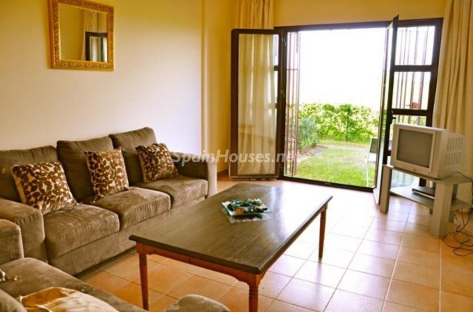 Semi detached house to rent in Alcaidesa e1482140172122 - Looking forward to living in southern Spain? See these homes rentals in Cádiz